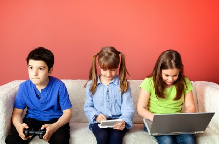 Children-playing-video-games