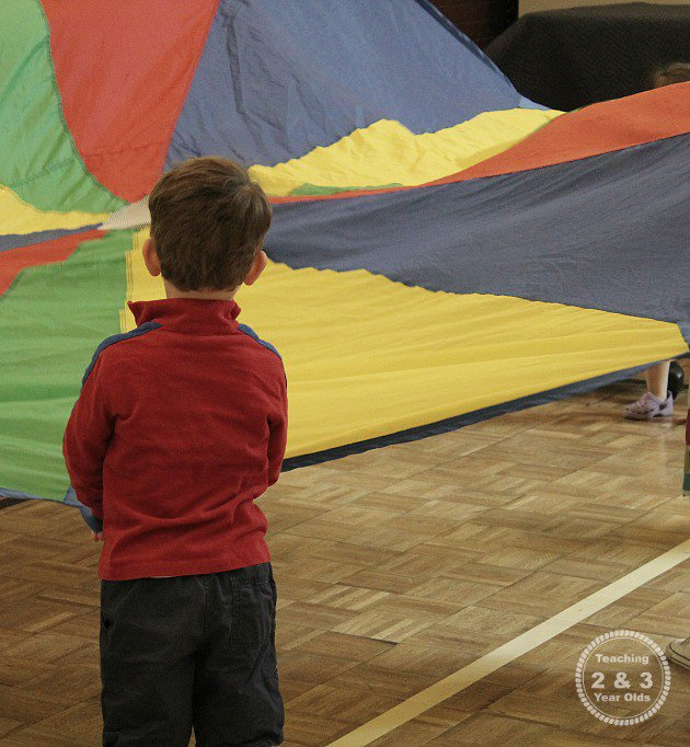 large-motor-games-with-parachutes-2